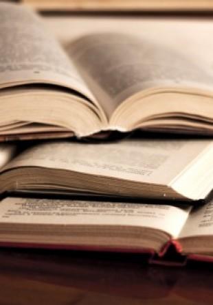 Cum alegi cărțile pe care le faci cadou prietenilor