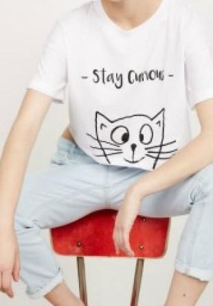 TREND ALERT: Tricouri cu mesaje incluse