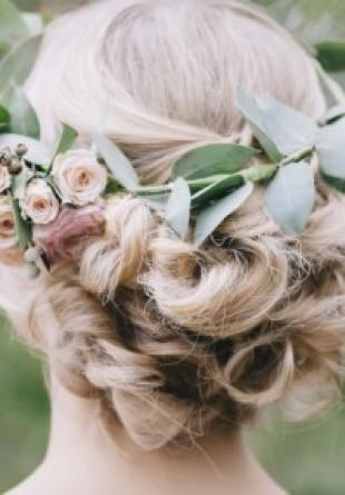 5 coafuri pentru nunțile din vara aceasta