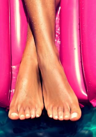 Pregătește-ți picioarele pentru o vară plină de aventuri