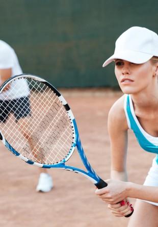 Tenis – sportul perfect pentru sănătate și siluetă!