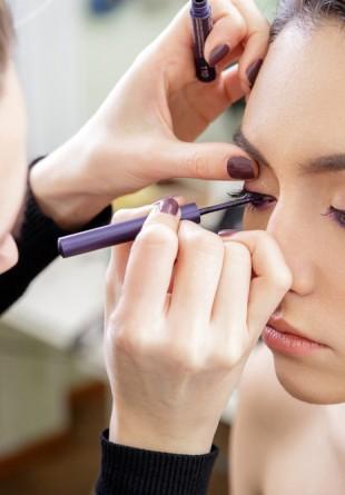 Cum să te machiezi în funcție de culoarea ochilor