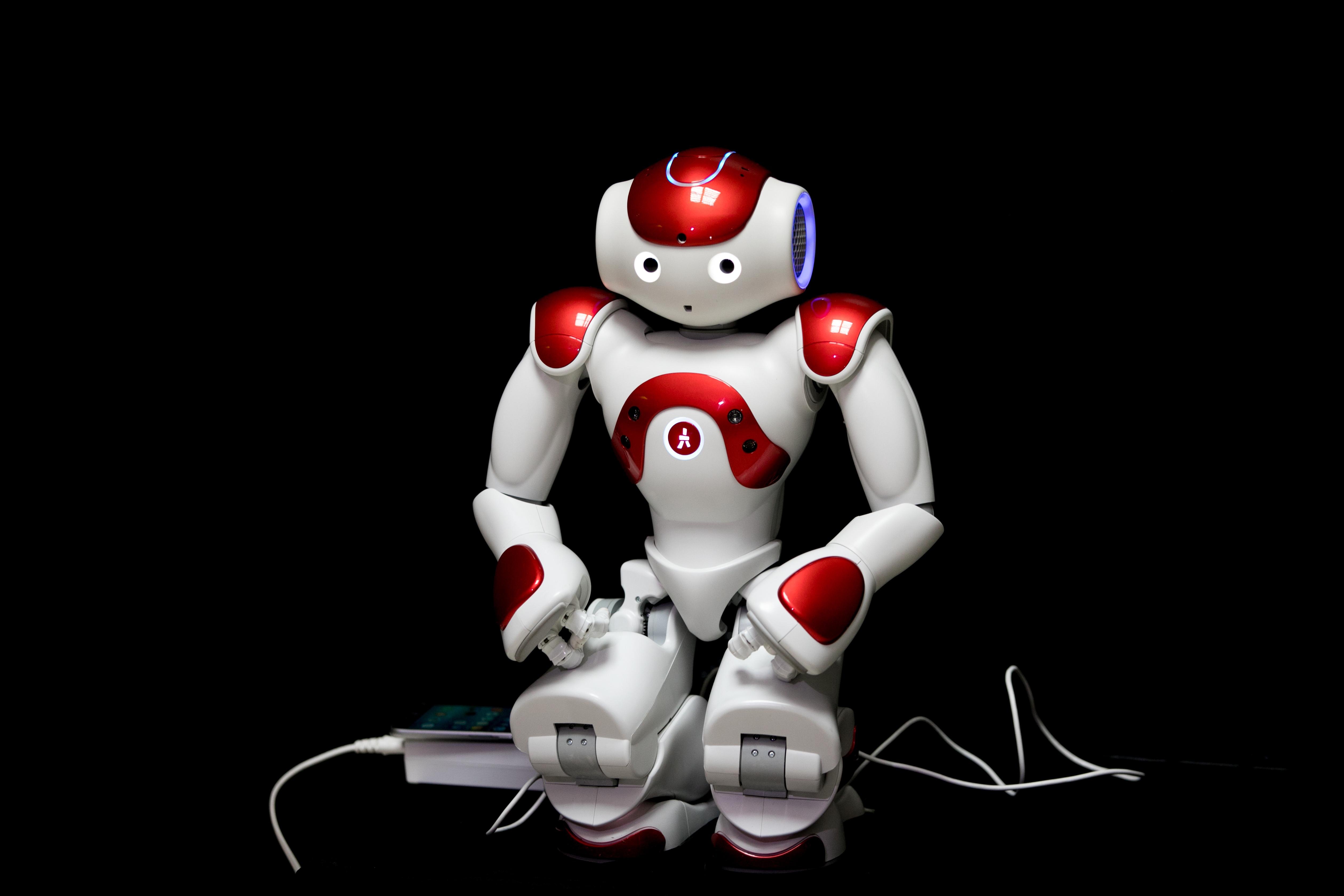 Roboţii militari ucigaşi ''vor fi kalaşnikovul de mâine''